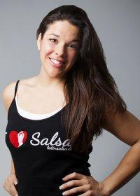 Natalia Pacheco Morales - Tanztrainerin und Tanzcoach in Köln für Salsa, Zumba und Bachata